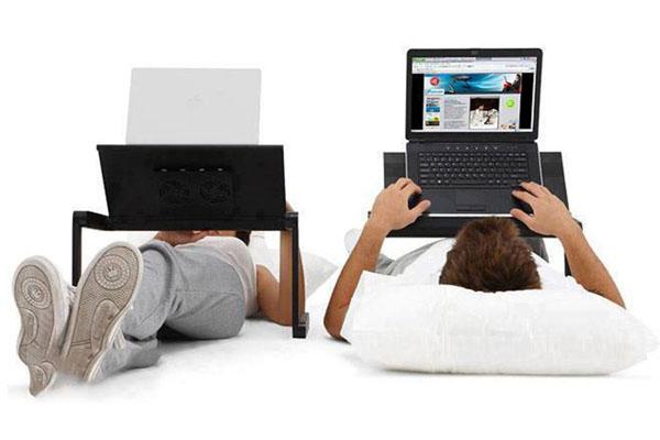 Bàn để laptop xoay đa năng thoải mái mọi lúc mọi nơi