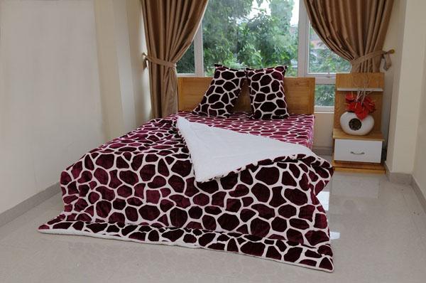 Chăn lông cừu xuất khẩu Châu Âu cao cấp siêu nhẹ giá rẻ 2,2m×2,3m phù hợp mọi phòng ngủ