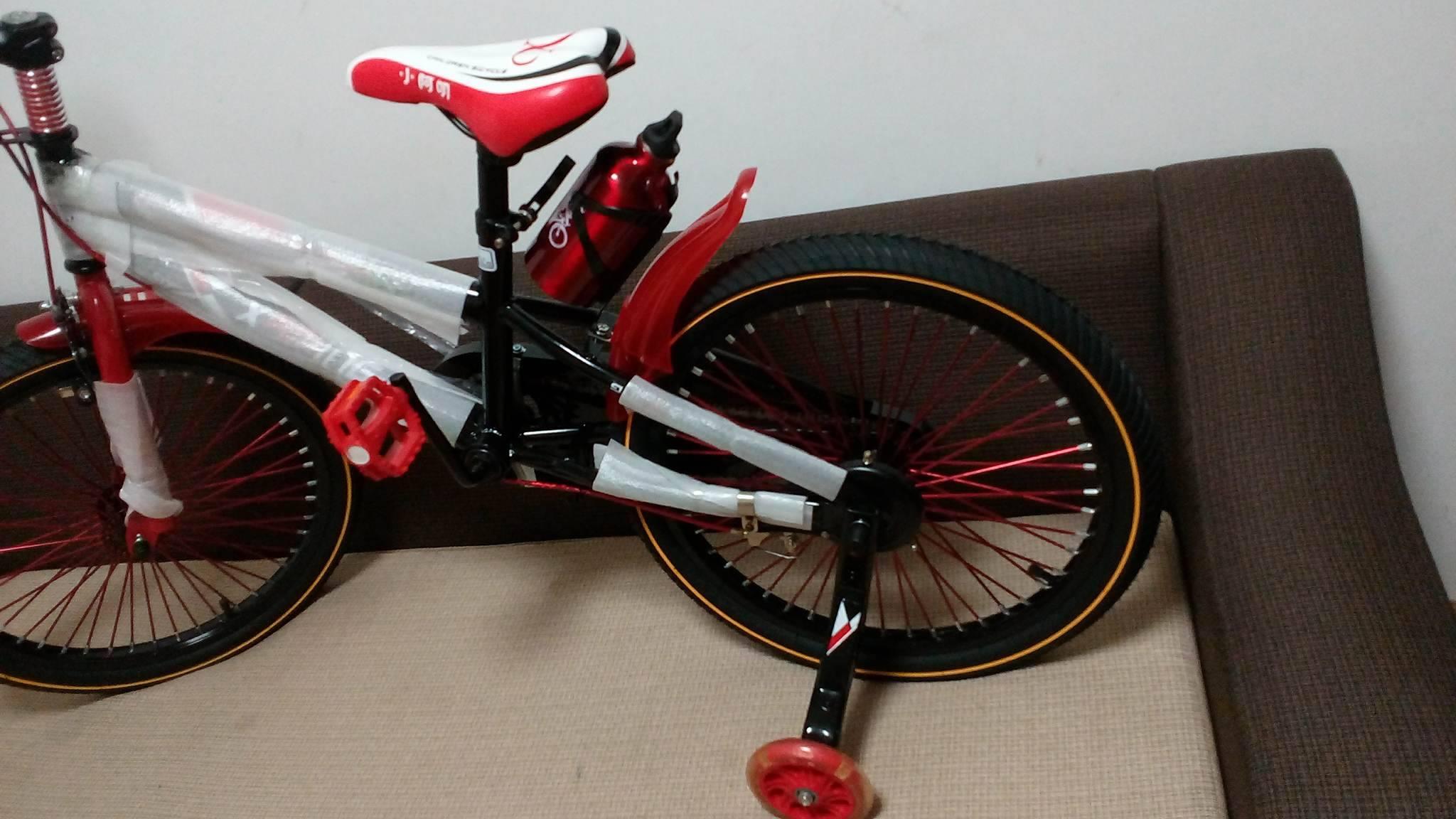 Xe đạp trẻ em cho bé 6, 7, 8, 9, 10, 11, 12 tuổi màu đỏ cỡ 20 Xiaoaming bánh phía sau, bánh phụ, bình nước